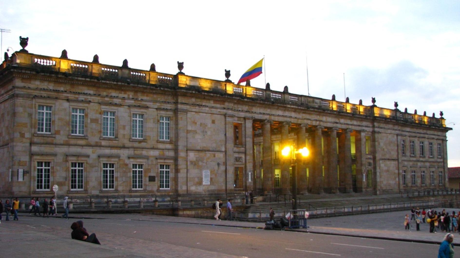 El capitolio nacional  bogot%c3%a1  colombia  1
