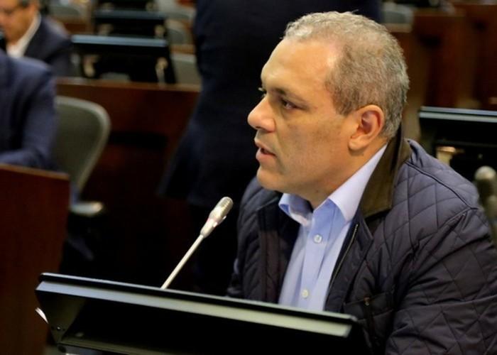 Documento senador jose david name